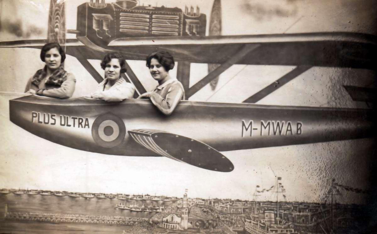Художественные фоны для фотографий авиационной и воздухоплавательной тематики (31)
