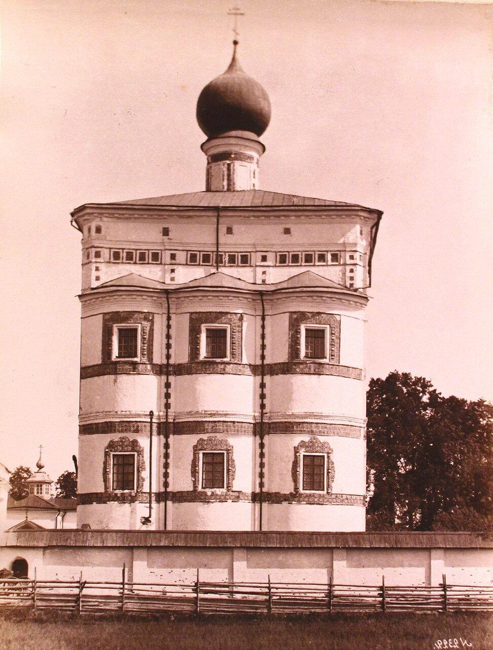 Вид фасада церкви Вознесения Господня Николо-Вяжищского монастыря