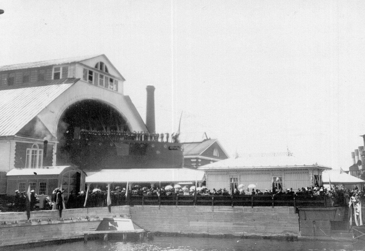 01. Спуск на воду крейсера «Аврора» на верфи Новое Адмиралтейство.  11 мая 1900