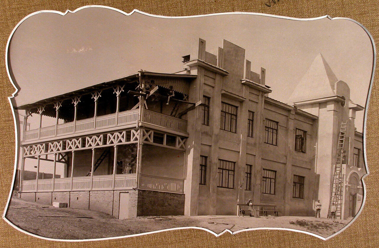 Вид нового здания школы для неуспевающих учеников