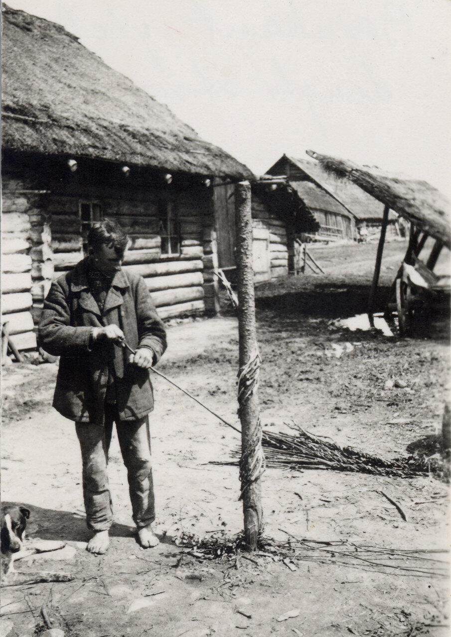 Вить верёвки. 1939 г. Фото Семак Франца