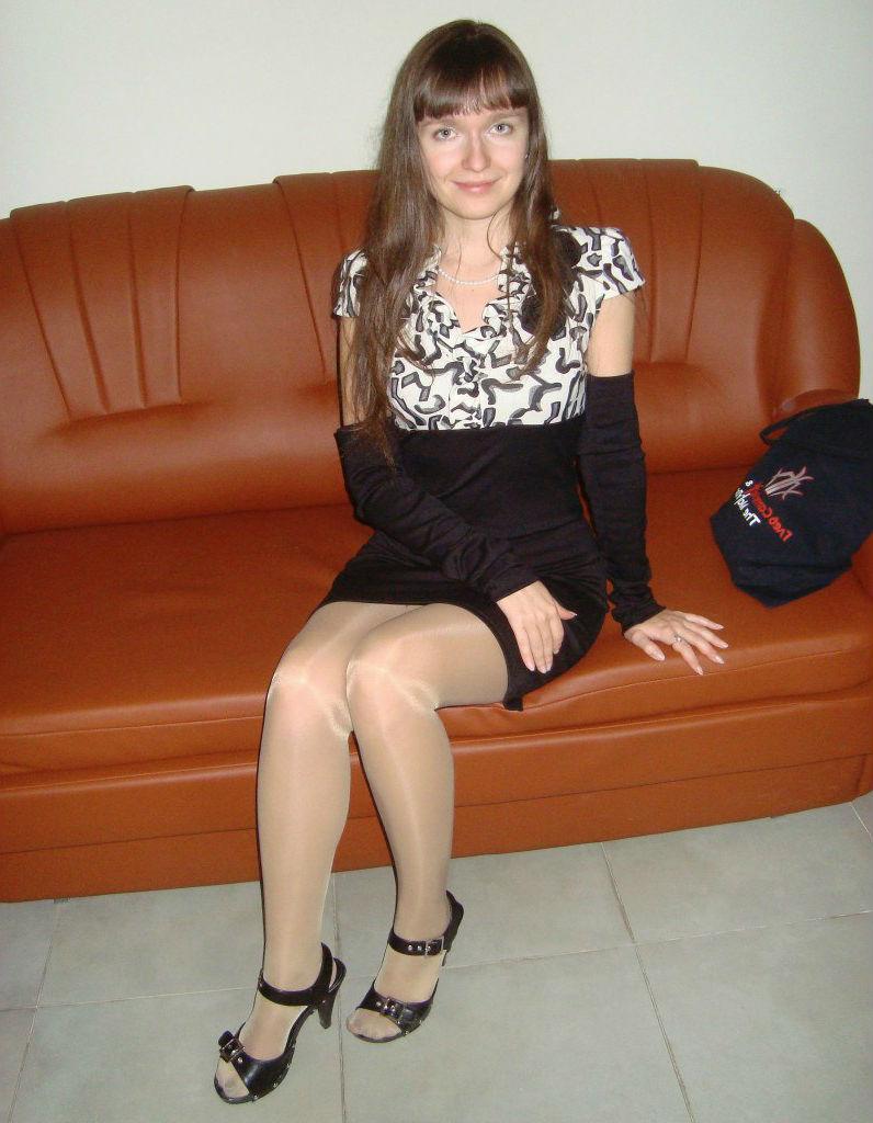 Русские девушки в блестящих колготках фото 483-456