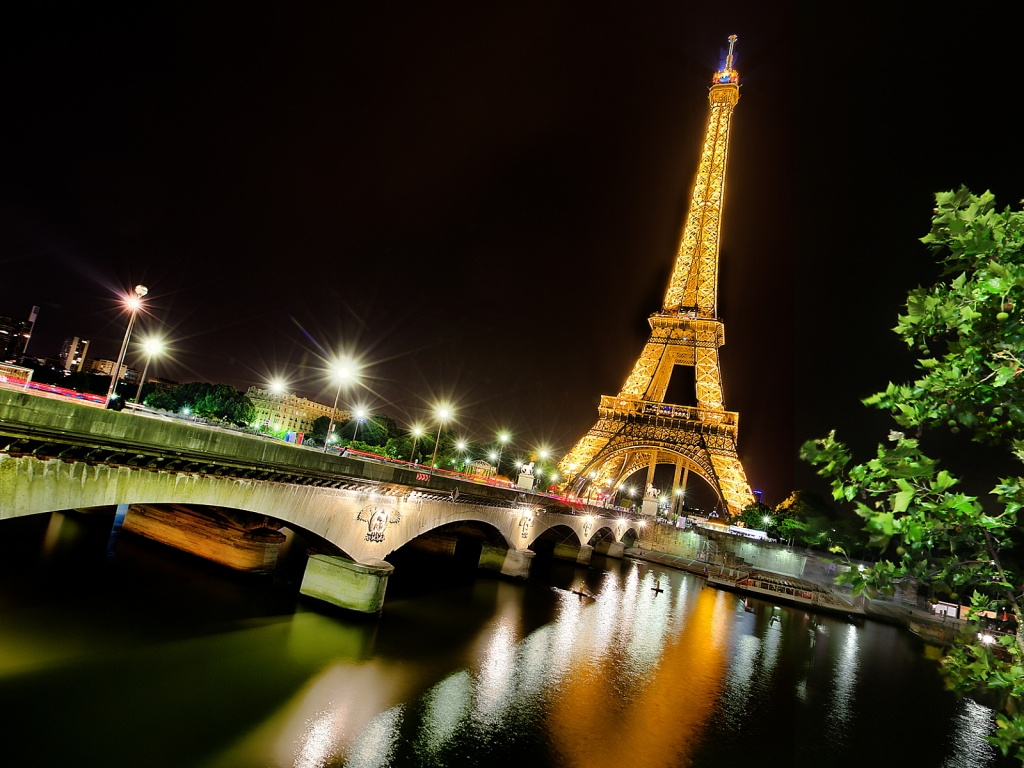 eiffel-tower-paris-night-1024x768.jpg