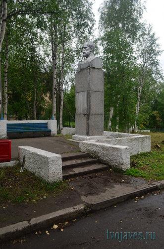 Фото города Инта №7160  Памятник П.И. Чайковскому 24.08.2014_12:52