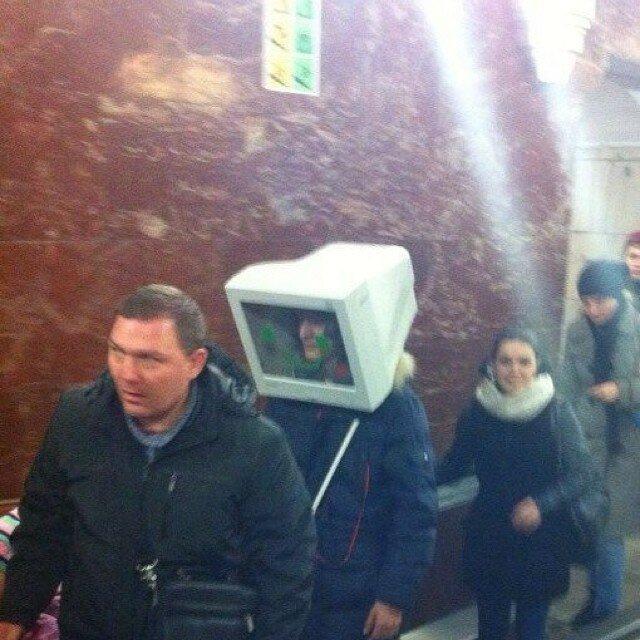 самые-странные-люди-в-метро11.jpg