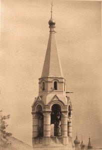 Вид верхней части колокольни церкви Сретения Господня. Ярославль г.