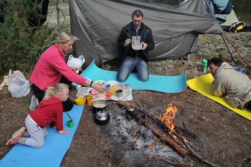 Завтрак у костра в Медведском бору