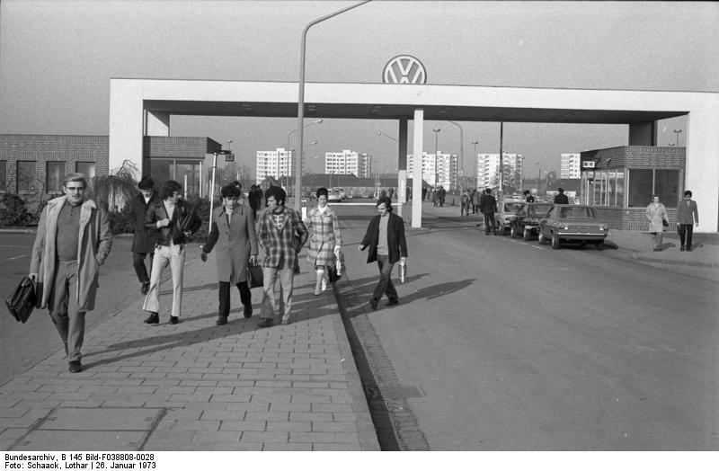 Wolfsburg, VW Autowerk, Werkseingang