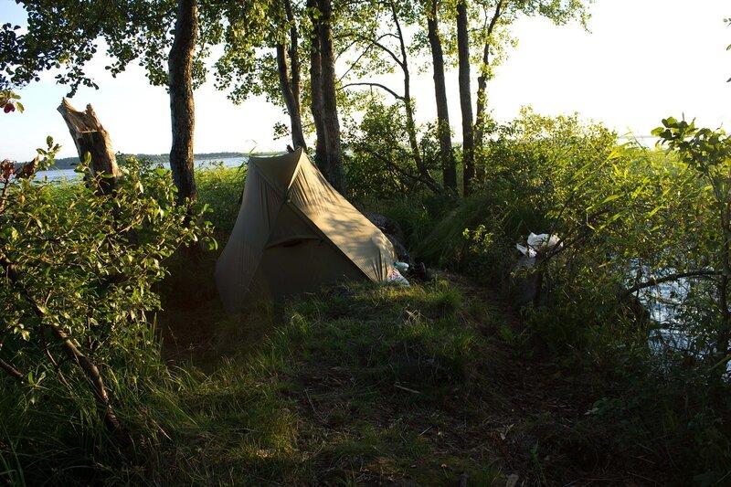 наша палатка на мысу Шис-Нос на озере Вялье