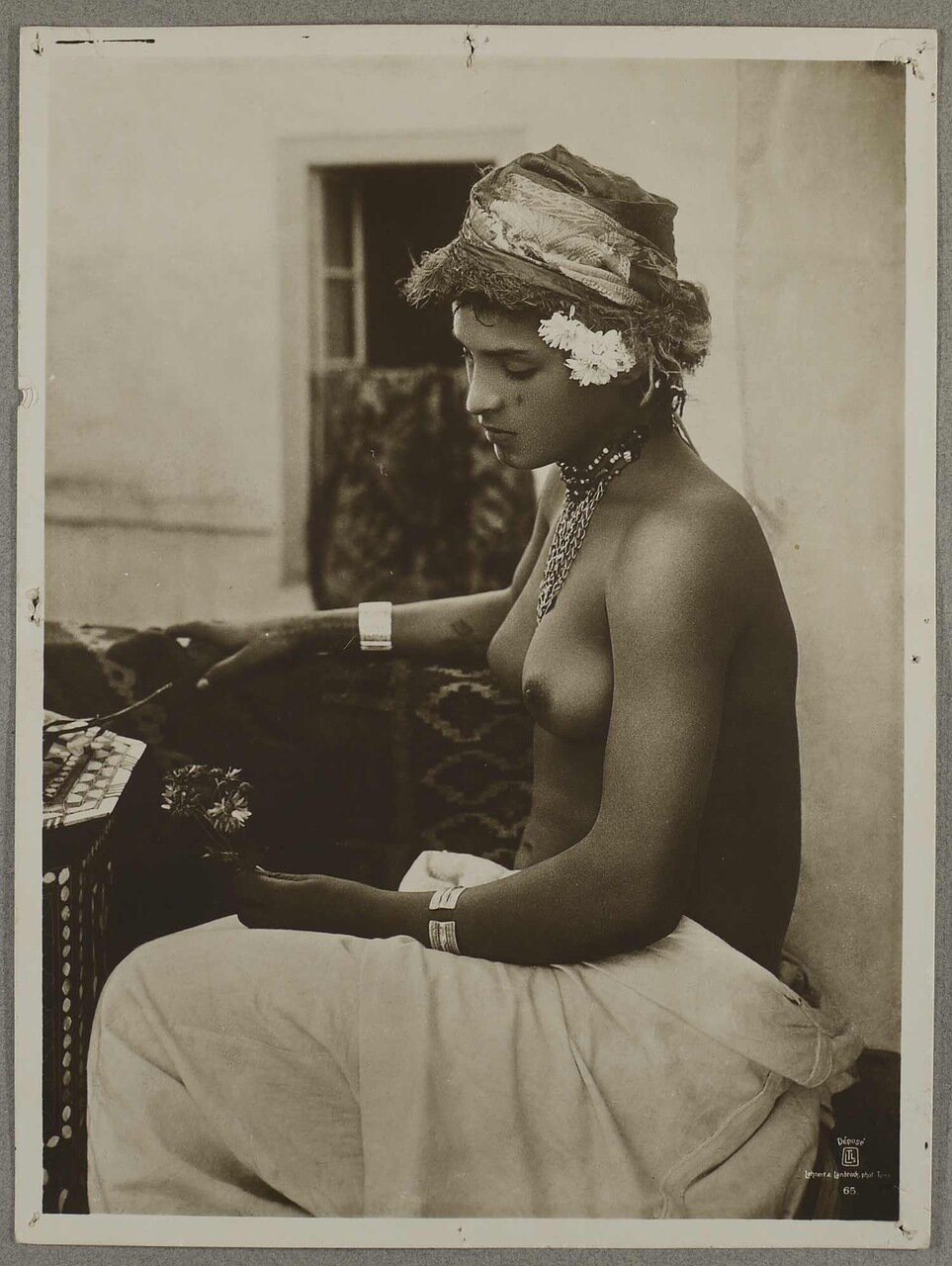 Тунис. Арабская женщина. 1904