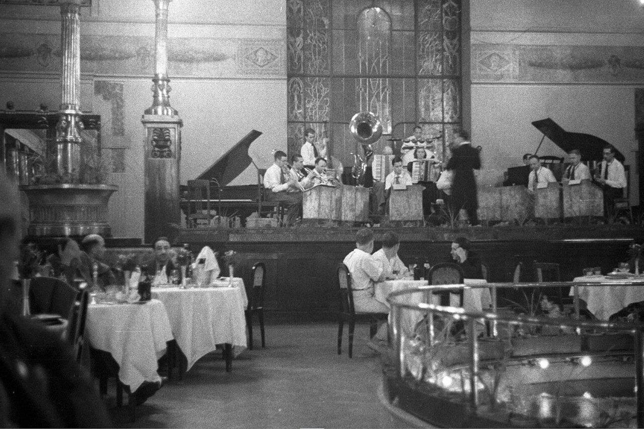 13. Метрополь. Ресторан гостиницы