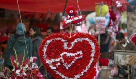 День влюблённых рекомендовали не праздновать в Пакистане