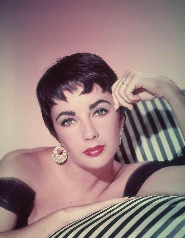 Элизабет Тэйлор на фотосессии в 1955 году Getty Images.jpg