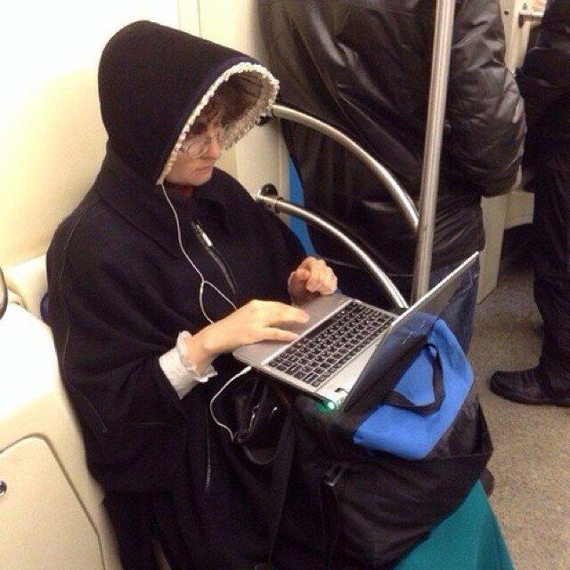 самые-странные-люди-в-метро12.jpg