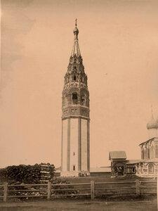 Вид колокольни церкви Иоанна Златоуста в Коровниках (постройка 1680-х гг.) Ярославль г.