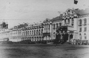 Джигитовка казаков на плацу перед   Екатерининским  дворцом  в день  празднования 100-летнего юбилея конвоя.