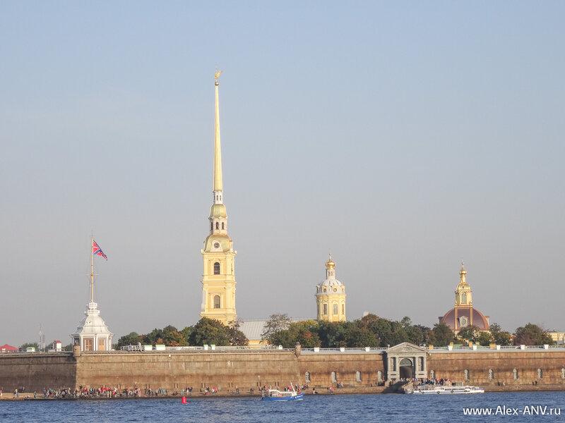 Петропавловская крепость и Невские ворота