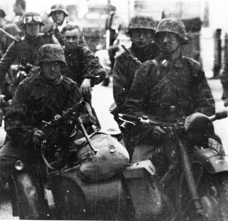 Leibstandarte-SS ''Adolf Hitler''-2.jpg