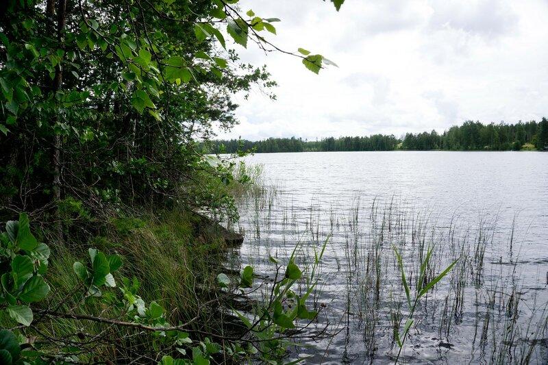 озеро Nousiinjarvi рядом с лааву, купаться здесь нельзя