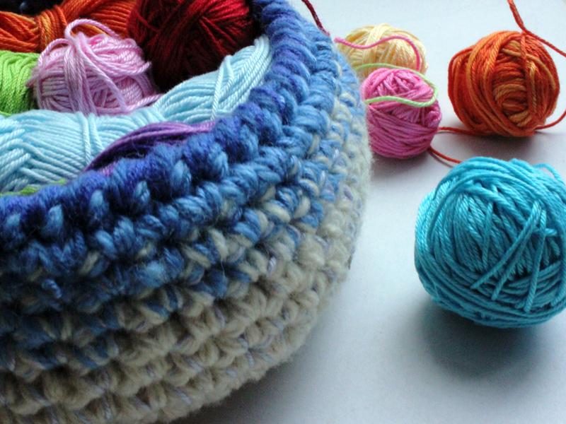 Вязаний кошик