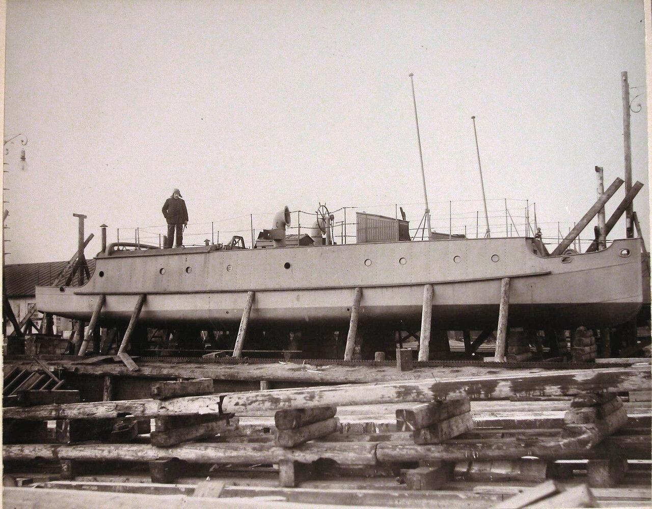 19.  Постройка одного из трёх катеров с керосиновыми двигателями для реки Амур. 1907