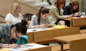 В ВУЗах страны некому учиться - молодёжь уезжает из Молдовы