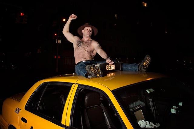 Таксисты Нью Йорка выпустили свой календарь 0 133535 a64c6062 orig