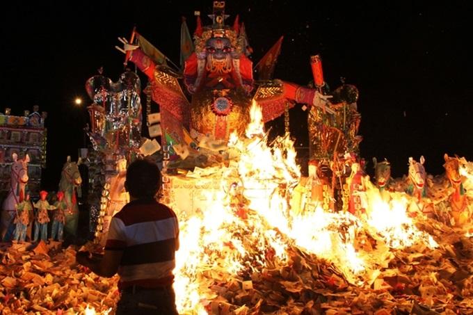 Фестиваль духов в Китае
