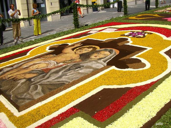 Genzano Infiorata Flower Festival - фестиваль цветов в Дженцано-ди-Рома