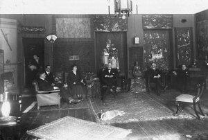 Посланник c женой и члены посольства в китайской гостиной Сергиевская ул. 75.