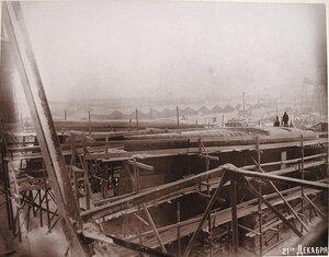 Общий вид стапелей во время постройки корпусов  минных крейсеровМосквитянини Доброволец.