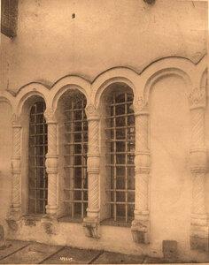 Вид на окно собора Благовещения Пресвятой Богородицы (построен в 1484-1489 гг.). Москва г.
