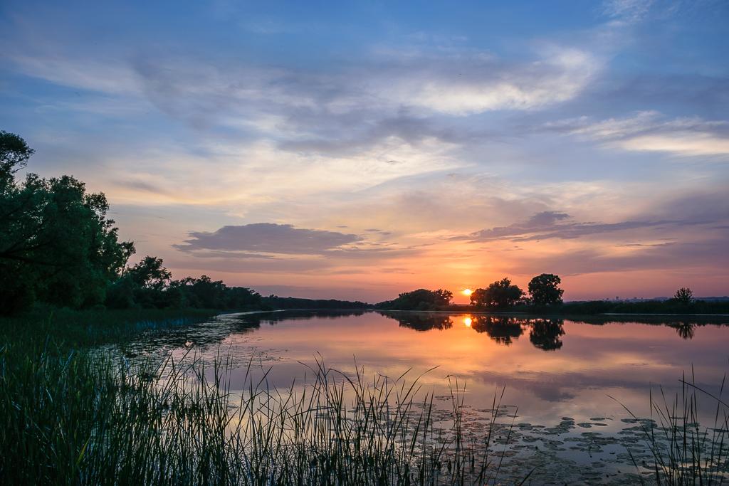 Фотография 12. Закаты, рассветы... Как красиво они получаются при съемке на Nikon D5300 профессионалом!!! (А=5.6; ISO 100; ФР 18мм)