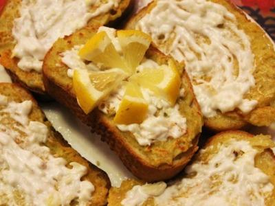 Чесночный бутерброд с картошкой