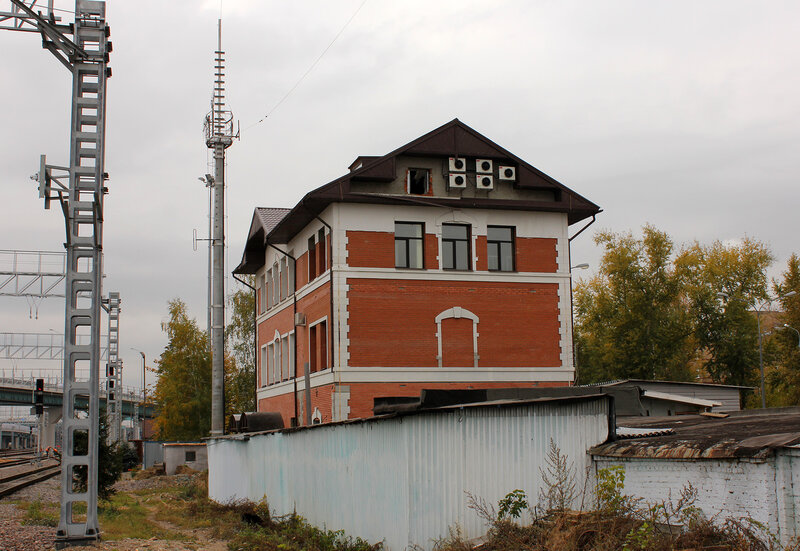 Здание на станции Лефортово
