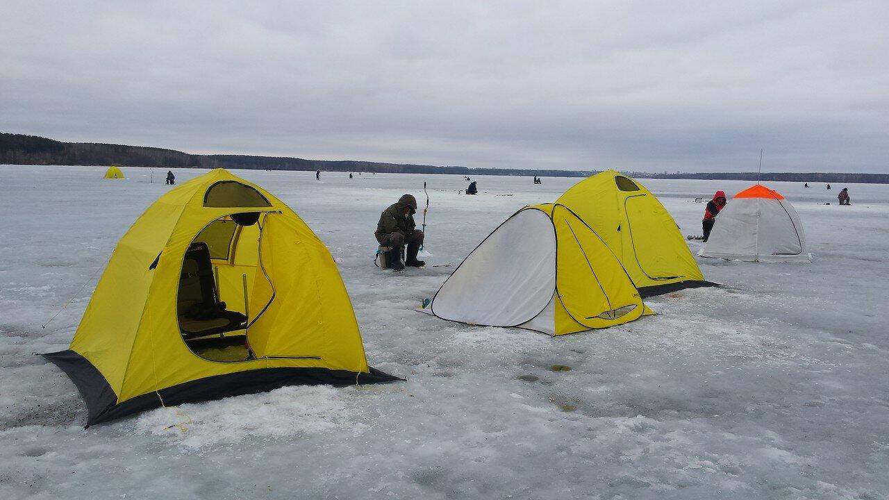 Виды палаток для рыбалки зимой