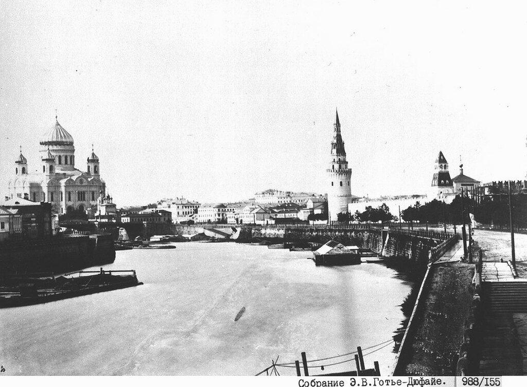 47825 Храм Христа Спасителя и Кремлевская набережная 1862—1872.jpg