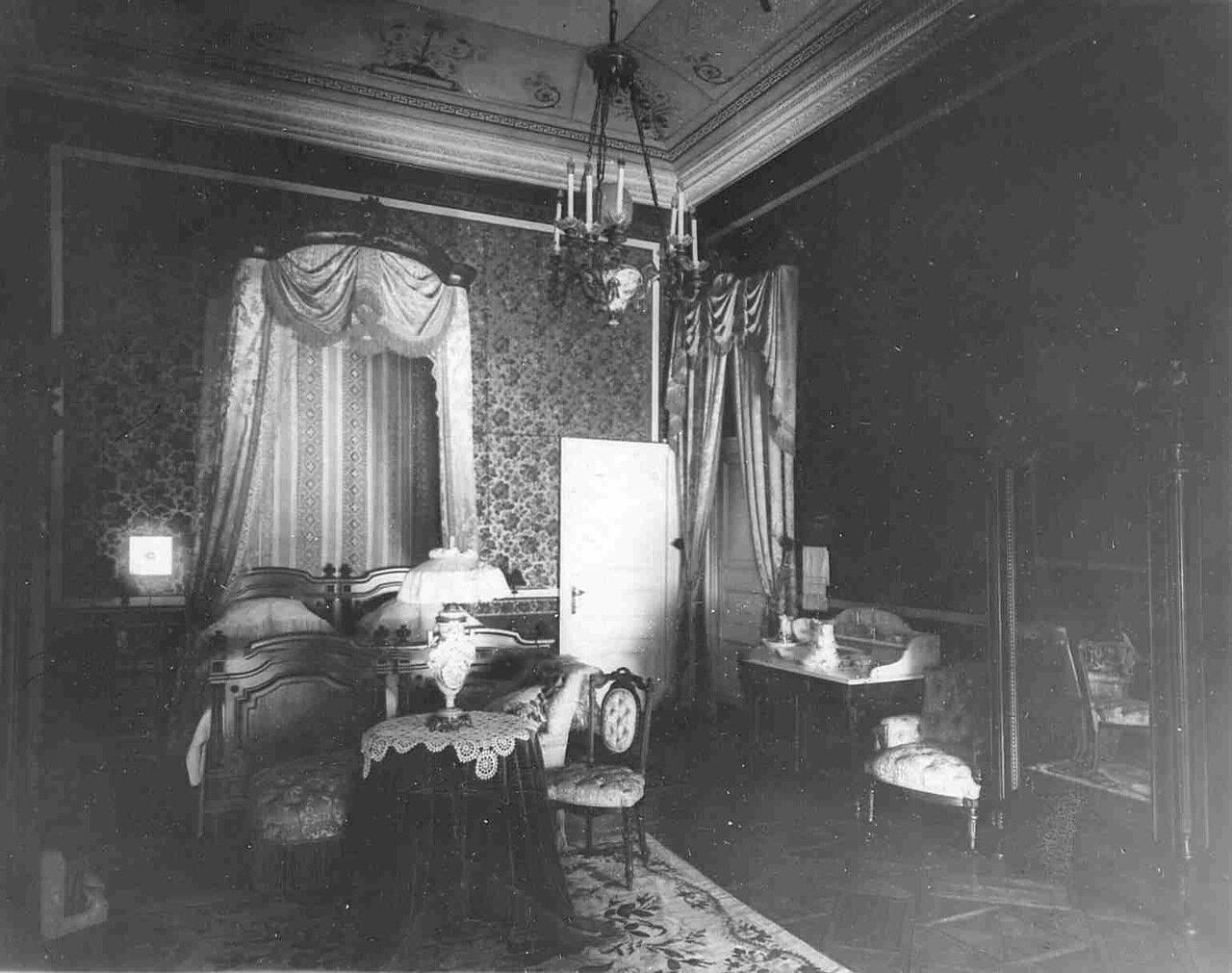 14. Спальня в особняке купца Л.Л.Кенига