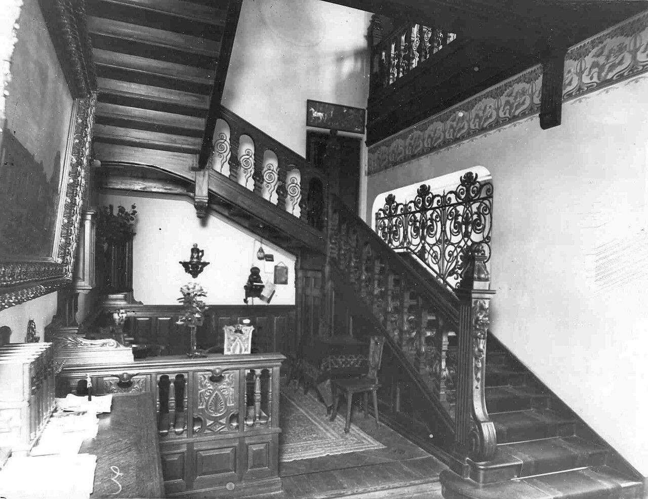 16. Внутренняя лестница в особняке И.Д.Бонштедта