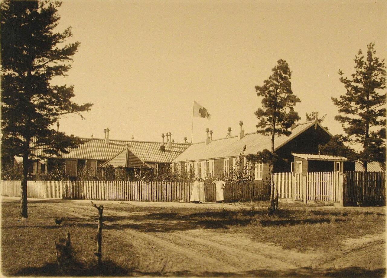 16. Старое здание лазарета, уничтоженное пожаром 27 декабря 1908 г., общий вид