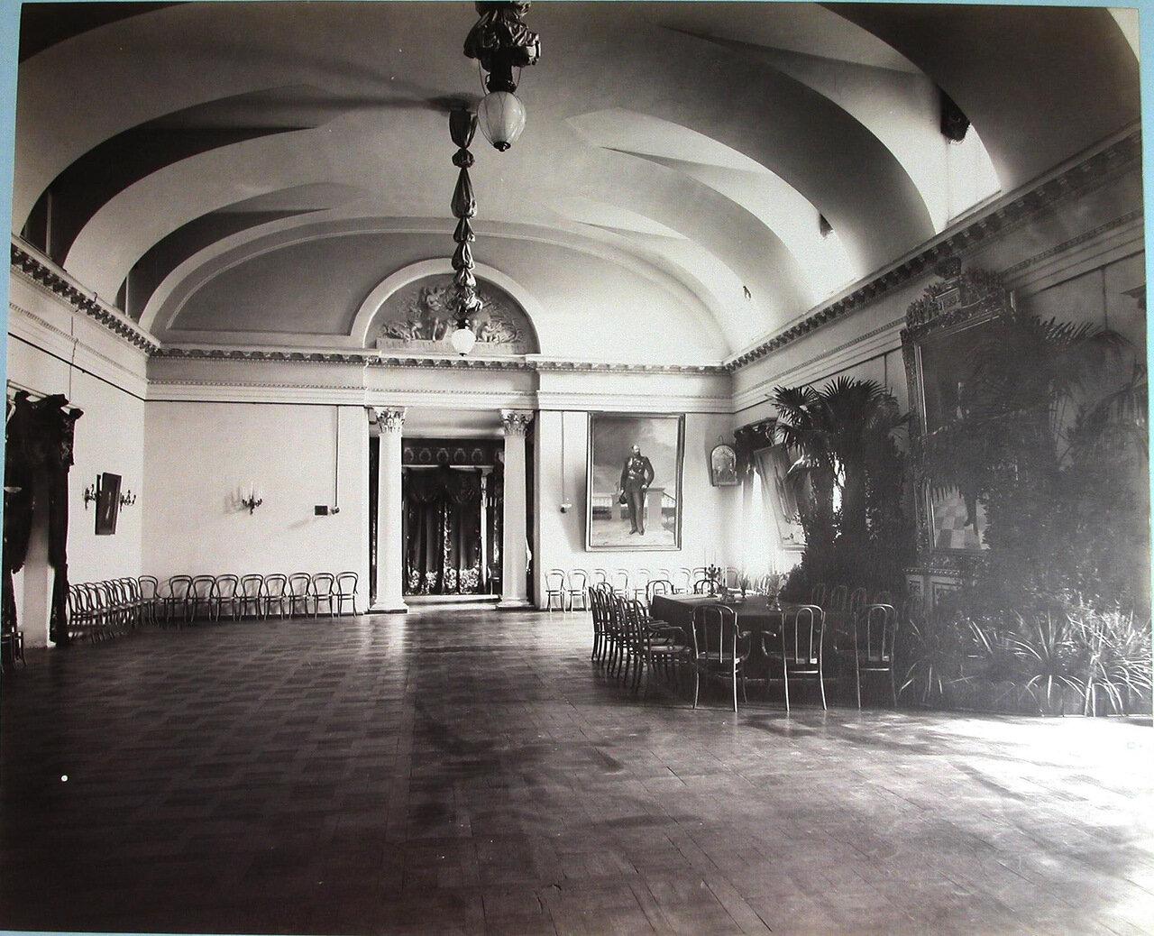 06. Вид части актового зала Первой Киевской гимназии