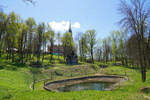 Пруд и надкладезная часовня, Можайский кремль