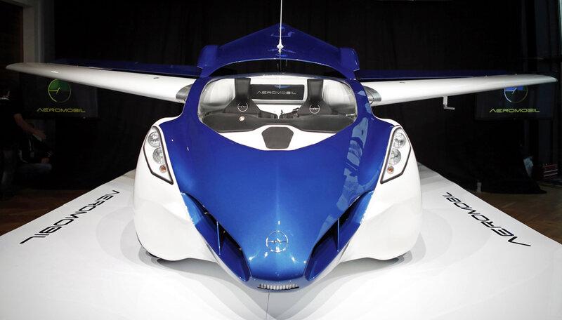 Фото:  AeroMobil 3.0, первый летающий автомобиль