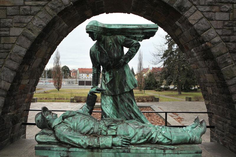 Мемориал павшим немецким солдатам в городе Вурцен в Саксонии