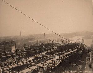 Общий вид стапелей во время постройки минных крейсеровМосквитяниниДоброволец.