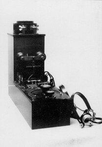 Телеграфный аппарат - радиоприемник типа РГСА.