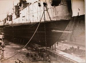 Линейный корабль «Севастополь» в доке.