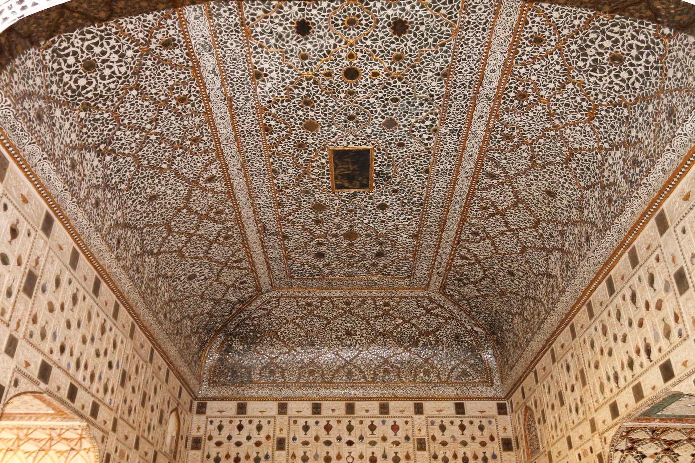 Фотография 12'. Орнаменты в Sheesh Mahal. Поездка в Джайпур из Дели.