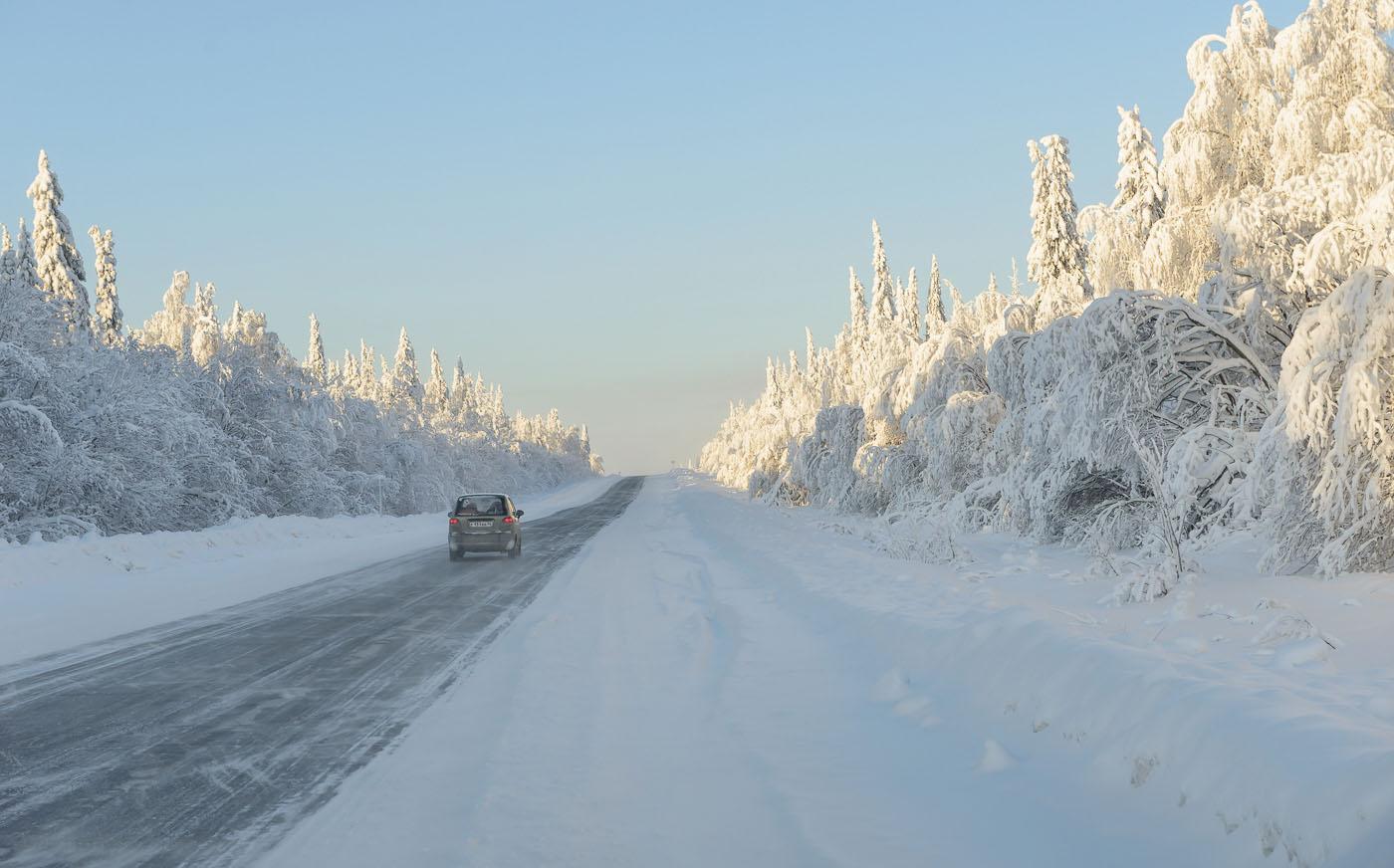 Фото 1. Так выглядят дороги в Пермском крае зимой. Снято через стекло. Отзывы о поездке выходного дня на автомобиле. 1/320, 0EV, 8.0, 200, 62.