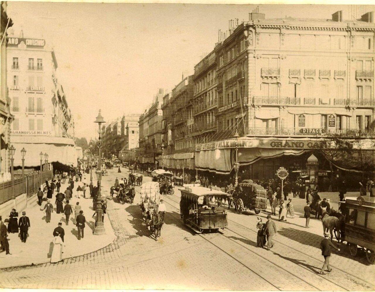 Улица Канебьер